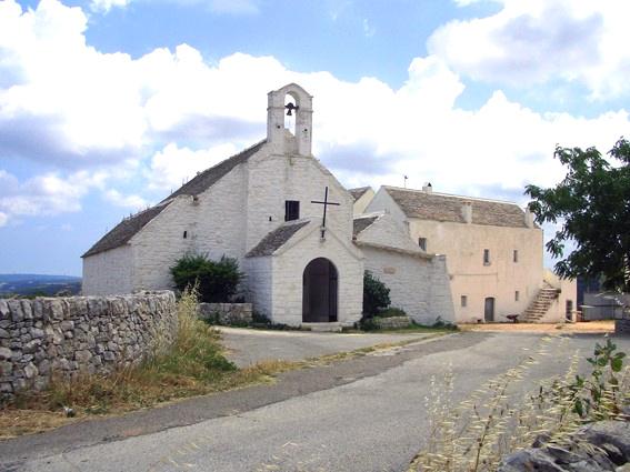 noci-chiesa-di-santa-maria-di-barsento-foto-di-piero-intini